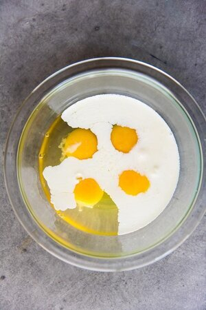 Fluffy-Scrambled-Eggs-2690-700x1049.jpg